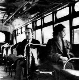 Rosa Parks num autocarro de Montgomery no dia 21 d