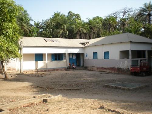Centro de Saúde da Ilha de Jeta, construído pelos imigrantes na disáspora