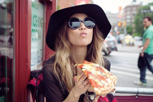 Qual é a importância de usar óculos de sol no inverno  - Beleza qb 69dc37f413