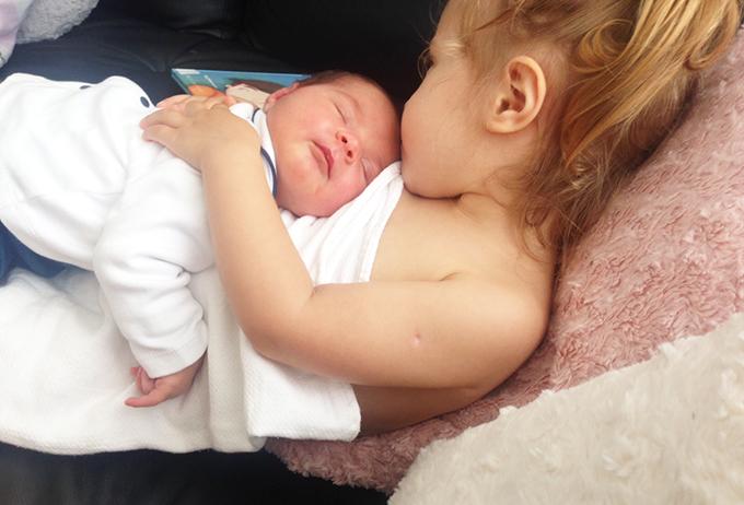 duas filhas pequenas 7